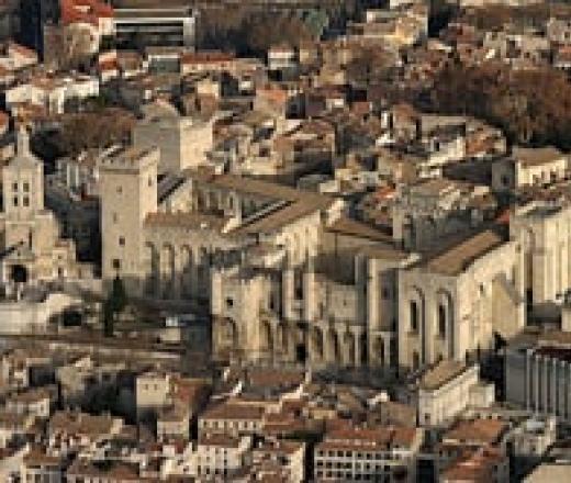 Extrait Passé le pont d'Avignon, la haine dans la ville